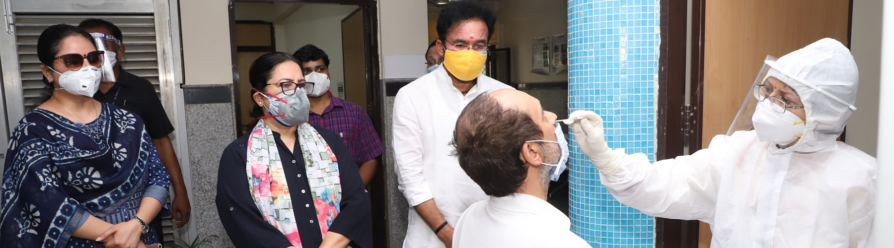 Minister of State for Home Affairs, Shri G. Kishan Reddy inspecting facilities during his visit to a COVID-19 Testing Centre in Delhi on Thursday, June 18, 2020.