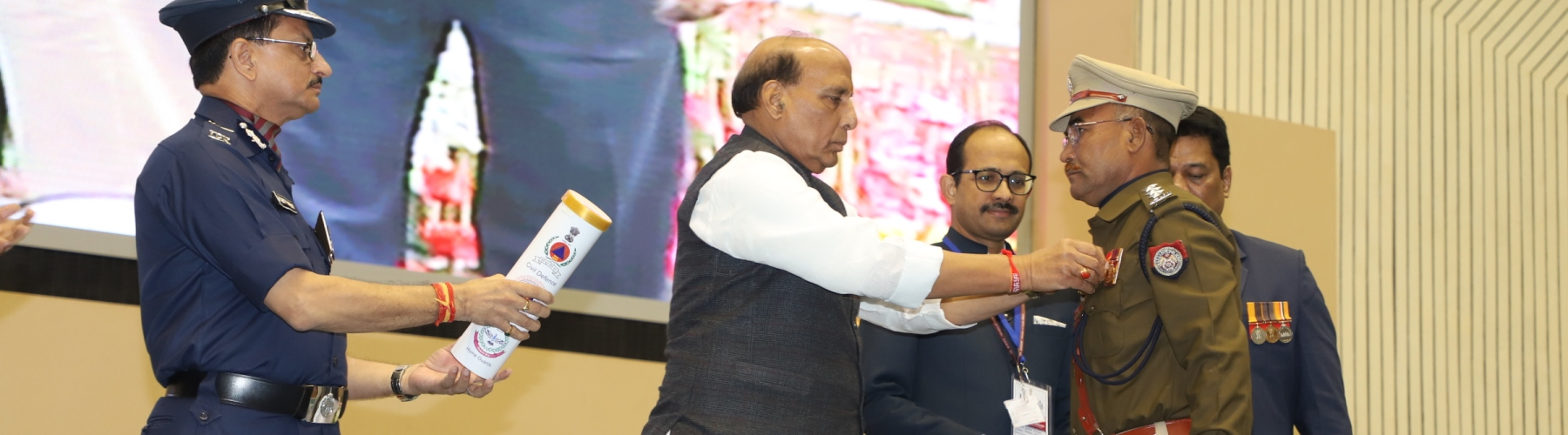 Union Home Minister, Shri Rajnath Singh  giving away Medals at the Medal Investiture Ceremony of President(s) Fire Service,Home Guards & Civil Defence. DG, NDRF, Civil Defence,  and Home Guards, Shri Sanjay Kumar and senior officers of MHA are also seen.